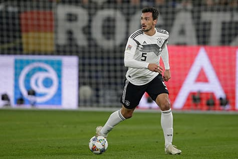 Mats hummels wear 5 as his soccer jersey number for germany