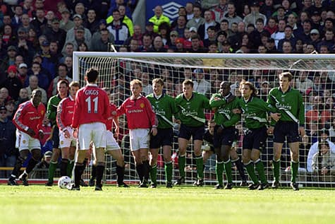 ryan giggs wore 11 as a wide player and manchester