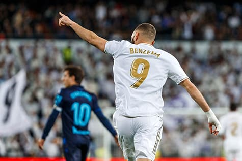 karim benzema wears the number 9 jersey at real madrid